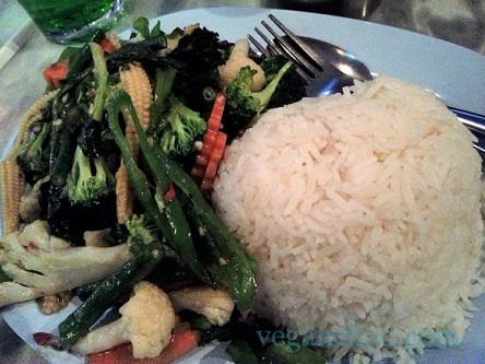 Pye Boat Noodle vegetable stir fry vegan